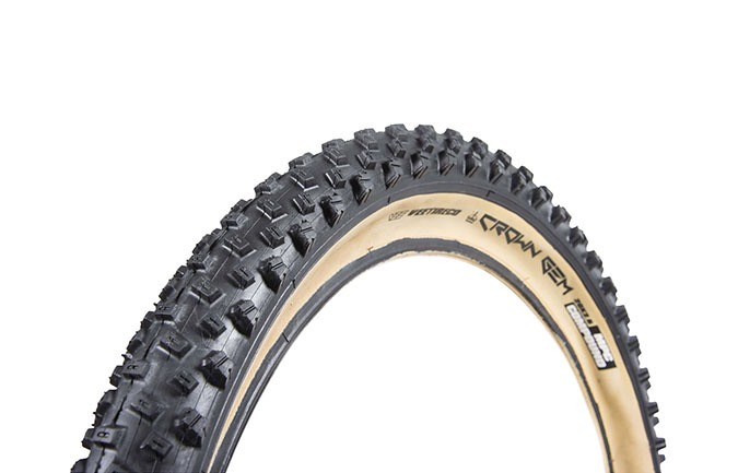 VEE TIRE CROWN GEM 24 X 2.6 SKINWALL