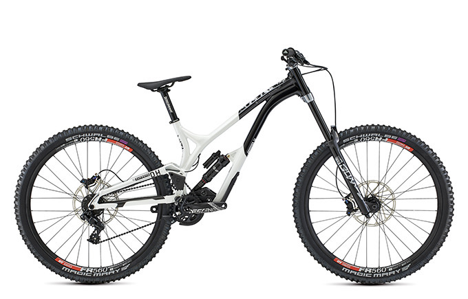SUPREME DH 29 TEAM BLACK & WHITE 2021